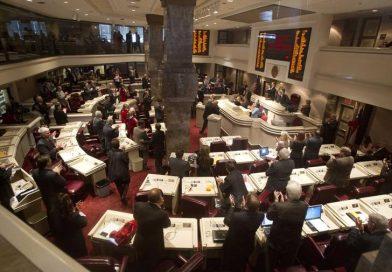 Controversial gun bill moves forward
